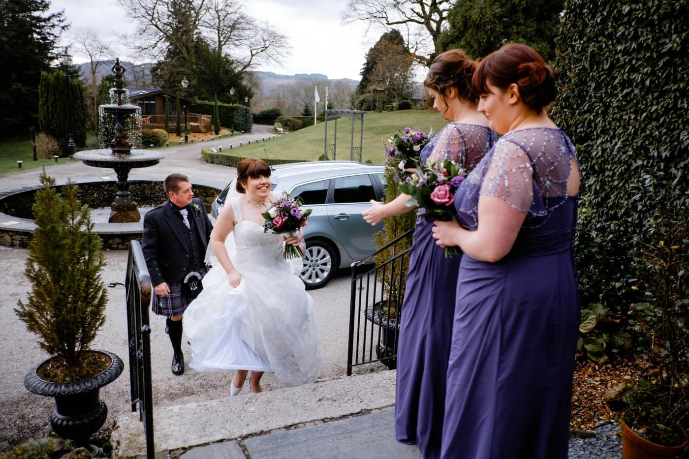 Bride arriving up the steps at Broadoaks Country House