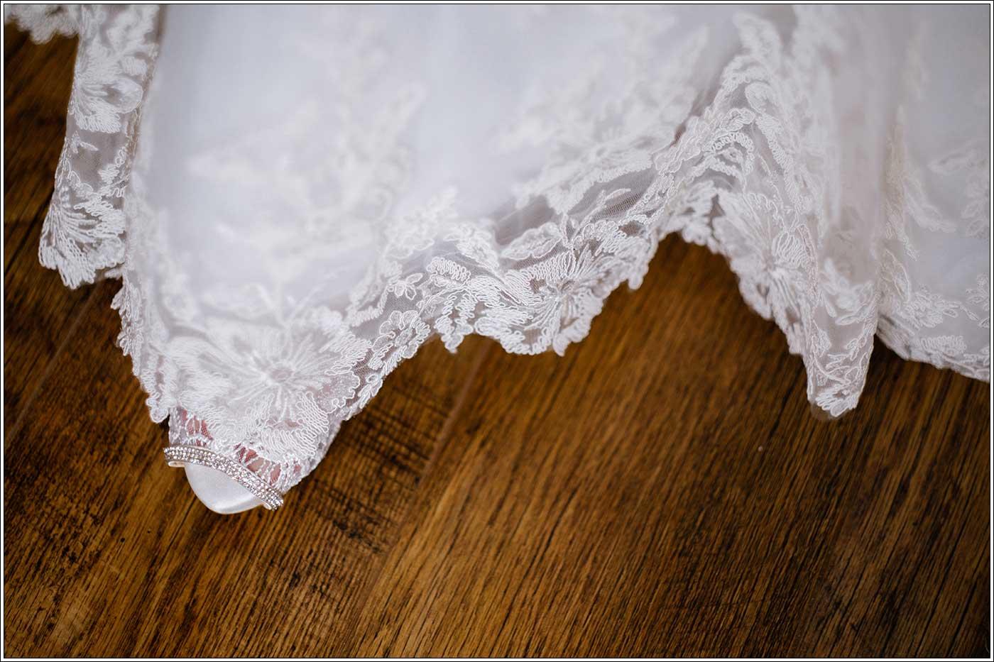 Details in wedding dress